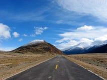 Route au ciel image stock