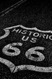Route 66 av den historiska vägen för nationell huvudväg Arkivfoto