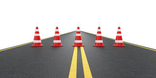 Route avec des cônes du trafic Images stock