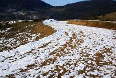 Route avec la neige photographie stock libre de droits