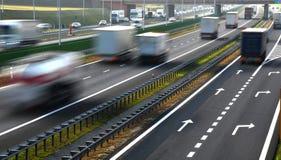 Route d'accès contrôlé de quatre ruelles en Pologne Image stock