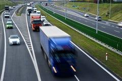 Route d'accès contrôlé de quatre ruelles en Pologne Photographie stock libre de droits