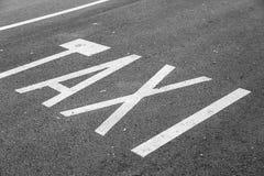 Route d'arrêt de taxi Images libres de droits