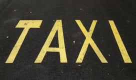 Route d'arrêt de taxi Image libre de droits
