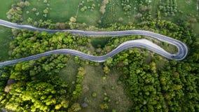 Route d'enroulement de passage de haute montagne traversant Photo libre de droits