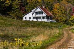 Route d'enroulement et ferme - automne/automne - le Vermont Photos libres de droits
