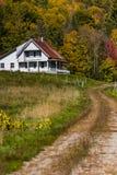 Route d'enroulement et ferme - automne/automne - le Vermont Photo stock