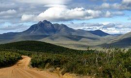 Route d'enroulement par Stirling Range - Australie occidentale Photographie stock libre de droits
