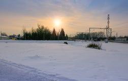 Route d'hiver à l'aéroport de Domodedovo sur le lever de soleil, Russie Images libres de droits