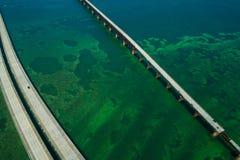 Route d'outre-mer sept de photo aérienne clés de la Floride de pont de 7 milles photos libres de droits