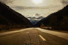 Route dans la montagne Photographie stock libre de droits