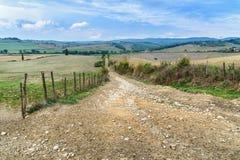 Route dans la région de chianti dans la province de Sienne tuscany l'Italie photos libres de droits