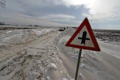 Route dans la tempête de neige Photos stock