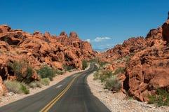 Route dans la vallée du parc d'état du feu Photos libres de droits