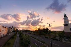 Route dans le coucher du soleil Osaka, Japon Image libre de droits