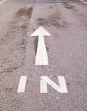 Route dans le signe images libres de droits