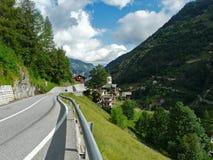 Route dans les Alpes Images libres de droits