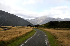 Route dans les Alpes du sud, Nouvelle-Zélande Photos libres de droits