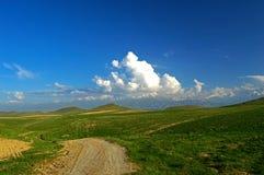 Route dans les montagnes Photographie stock libre de droits