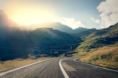 Route dans les muntains - route de Transfagarasan Photos stock
