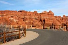 Route dans les voûtes stationnement national, Utah Images stock