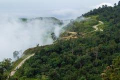 Route dans Petchabun, Thaïlande Photos stock
