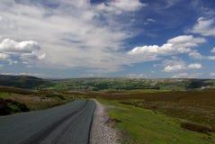 Route dans Yorkshire. L'Angleterre. Images libres de droits