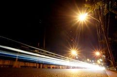 Route de Bangkok la nuit Photos stock