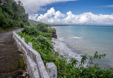 Route de côte de Baracoa à l'EL Yunque Photo stock