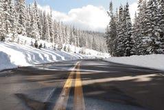 Route de campagne d'hiver Images stock