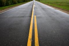 Route de campagne simple de terre Image libre de droits