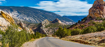 Route de crique de CUB, monument national de dinosaure photos libres de droits