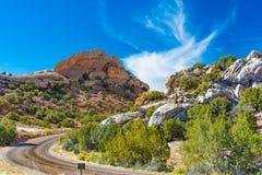 Route de crique de CUB, monument national de dinosaure photographie stock libre de droits