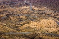 Route de désert d'enroulement Images libres de droits