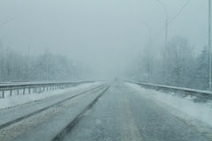 Route de danger en hiver Photos libres de droits