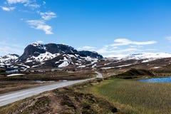 Route de gravier en Norvège image libre de droits