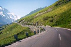 Route de haute montagne images libres de droits