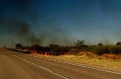 Route de l'Australie, incendie de buisson Photo stock