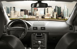 Route de l'intérieur de la voiture Photographie stock libre de droits