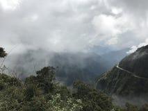 Route de la mort en Bolivie, Amérique du Sud photos stock