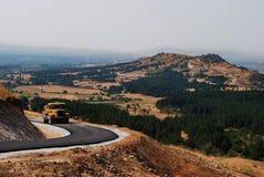 Route de montagne avec la belle vue Photographie stock libre de droits