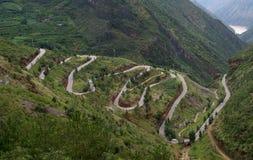 Route de montagne d'enroulement Photos stock