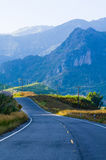 Route de montagne de pays à Nan Thaïlande Photo stock