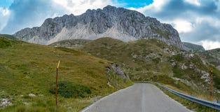 Route de montagne en Italie photos libres de droits