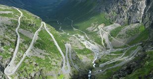 Route de montagne en Norvège Images libres de droits