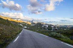 Route de montagne de Sognefjellet en Norvège du sud Photos stock
