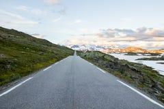 Route de montagne de Sognefjellet en Norvège du sud Photo libre de droits