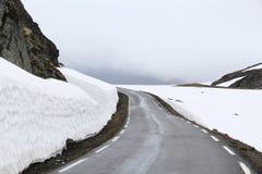 Route de neige de la Norvège photographie stock