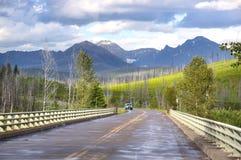 Route de parc national de glacier photographie stock
