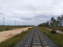Route de train dans Phnom Penh Cambodge Photo libre de droits